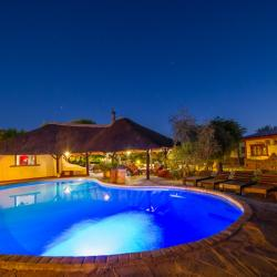 Pool an der Namib Desert Lodge