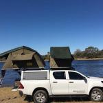 Hilux 4x4 mit Dachzelt und Campingausstattung