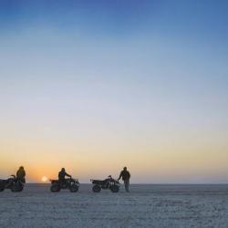 Sonnenuntergang in der Salzpfanne