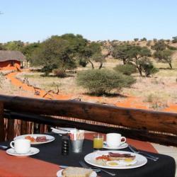 Frühstück in der Camelthorn Lodge in Namibia