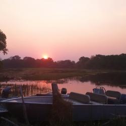 Sonnenuntergang an der Bootsanlegestelle am Backpackers