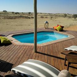 Pool im Dune Camp - Transkalahari Walk