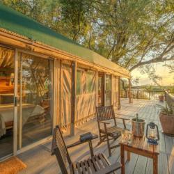 Xaro Lodge Honeymoon Suite