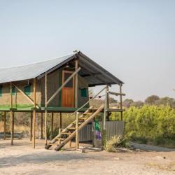Zelt auf Stelzen im Boteti Camp