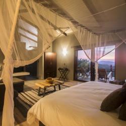 Zimmerbeispiel Rhino Ridge Safari Lodge