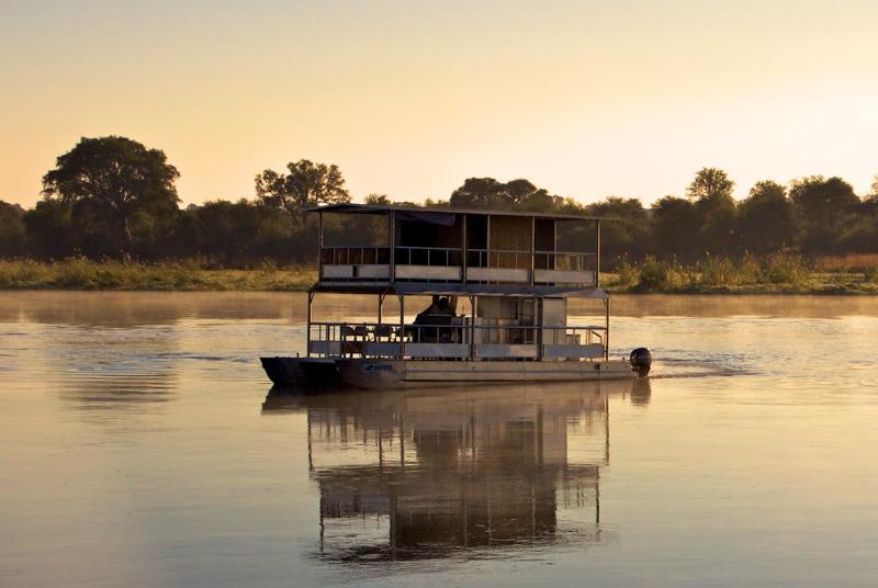 Sunset Cruise auf dem Okavango - Selbstfahrer Kalahari Calling