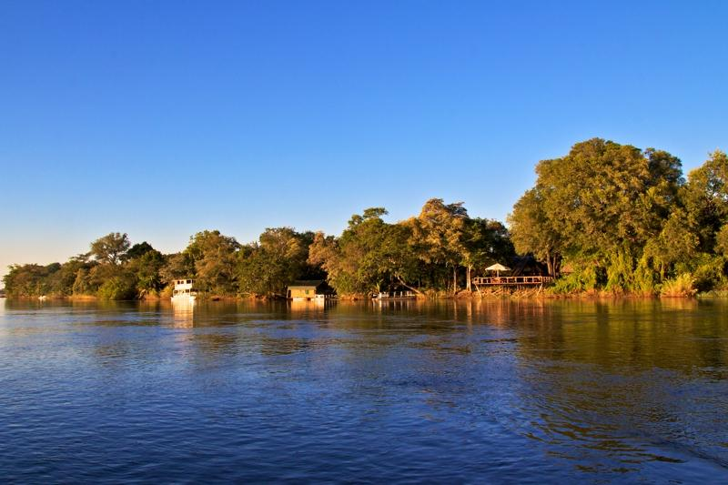 Ndhovu Lodge am Okavango Fluss