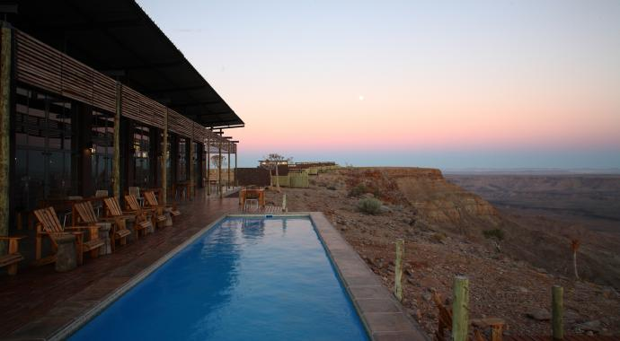 Pool der Fish River Lodge in Namibia